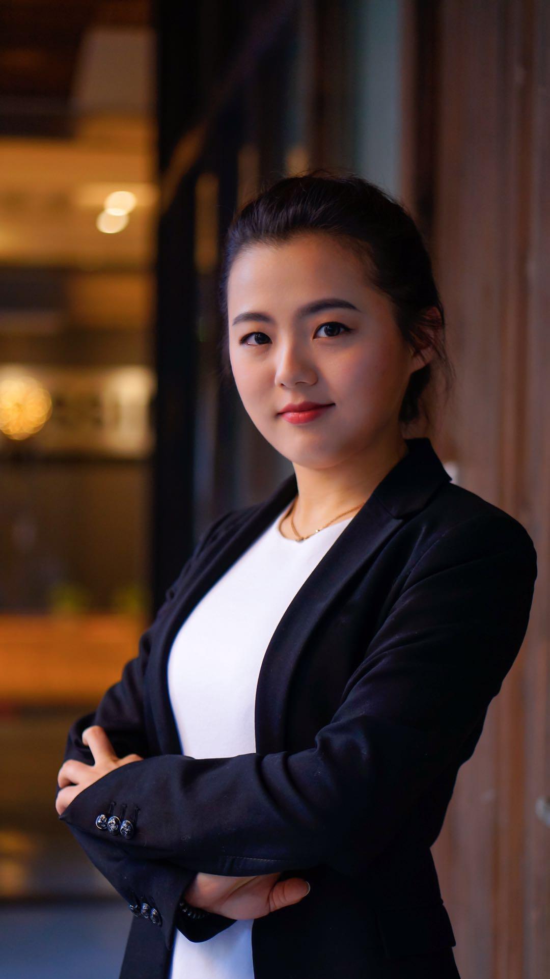 photo of Tina wong.